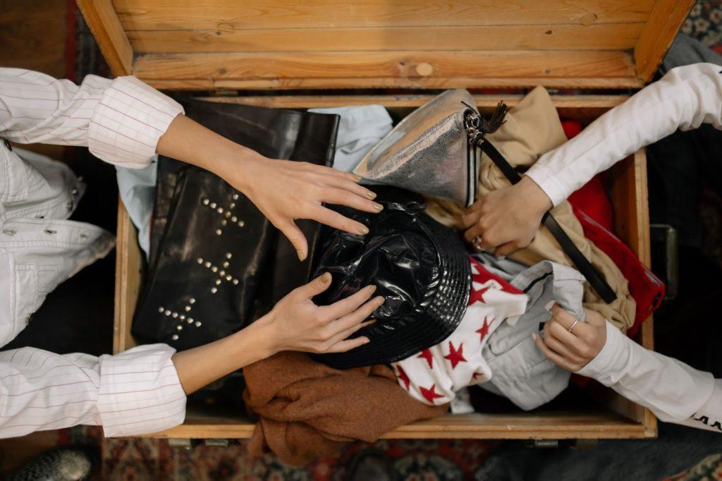 Chiner des vêtements de seconde main